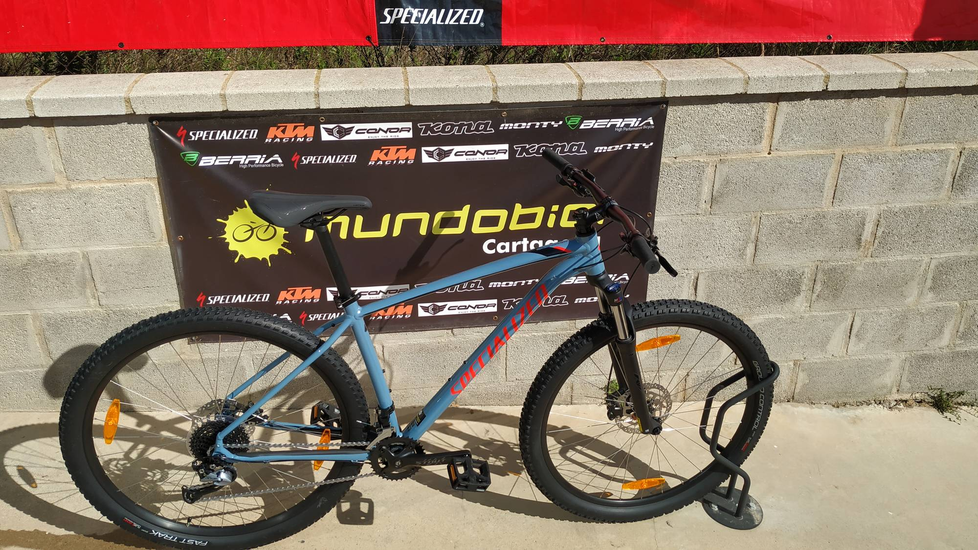 Specialized Mens Rockhopper comp arriba
