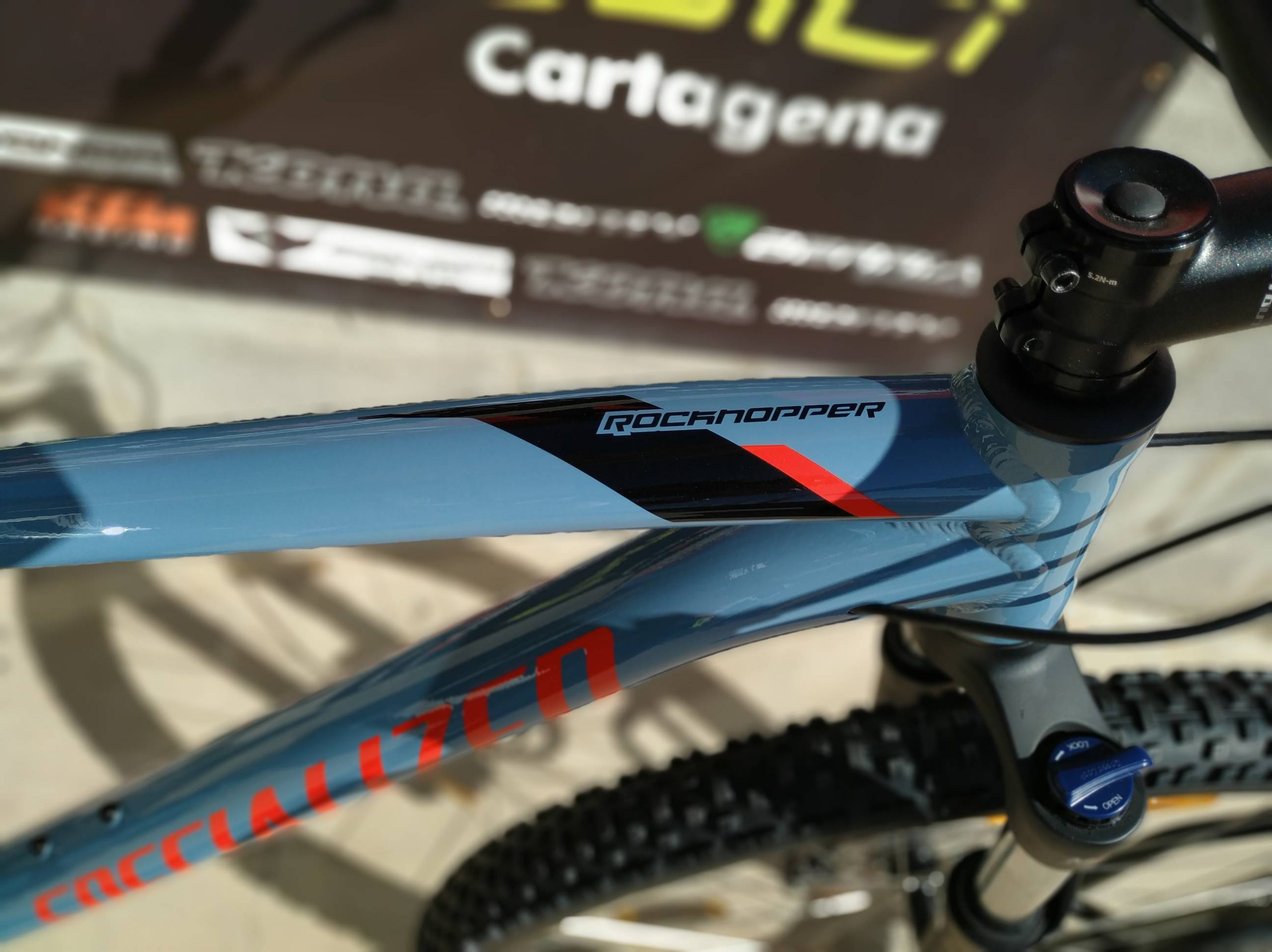 Specialized Mens Rockhopper comp detalle